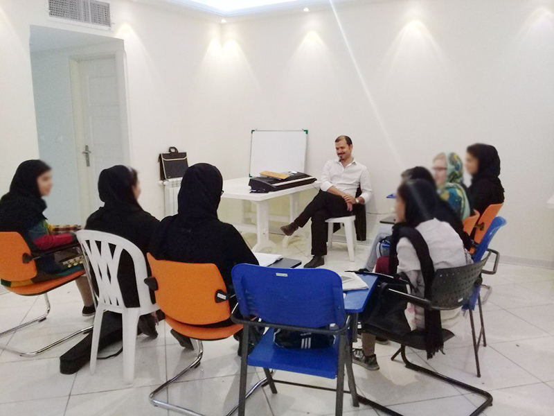 Mehrafarin children in music course