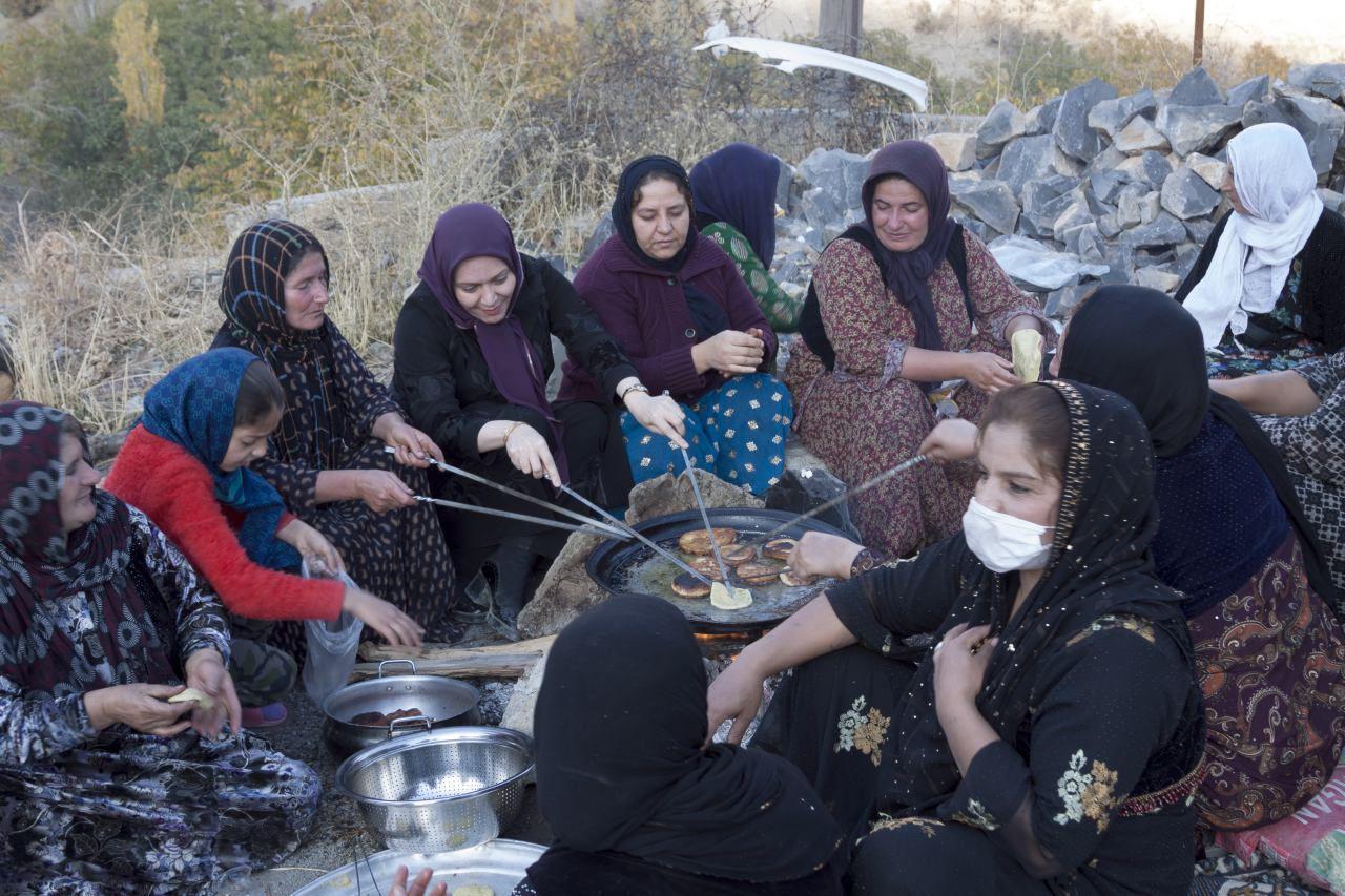 دانشور پس از بازدید سه روزه خود از مناطق زلزله زده خبر داد / تامین کانکس برای اسکان موقت زلزله زدگان استان کرمانشاه توسط موسسه مهرآفرین