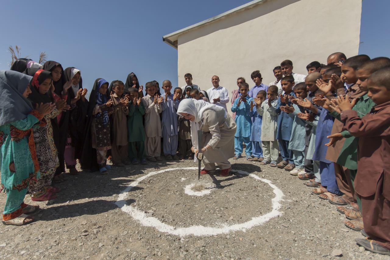 ساخت دو باب مدرسه در روستاهای محروم سیستان و بلوچستان توسط موسسه خیریه مهرآفرین