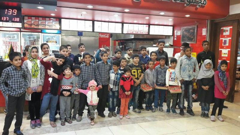 کودکان مهرآفرین در رستوران علاالدین