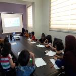 کودکان کار در کلاس زبان