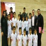 فوتبالیستهای کوچک مهرآفرین در کنار سرمربی استقلال/ اعضای آکادمی فوتبال مهرآفرین در کنگره بینالمللی فوتبال کلینیک شرکت کردند