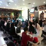 جمعی از کودکان مهرآفرین برای افطاری به فست فود علإالدین دعوت شدند.