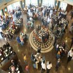 بچههای مهرآفرین در افتتاحیه کاخ رستوران لیدوما