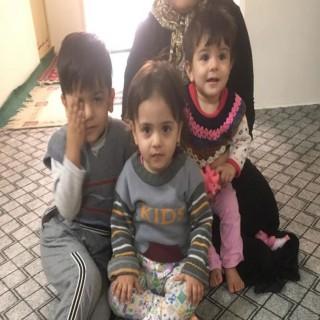 این خانواده میخواست فرزندانش را در بیابان رها کند! / یاری کنیم این سه کودک زنده بمانند