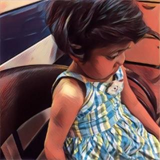 مهتاب، دخترک ۶ ساله ایست که در انتظار پیوند کبد به سر می برد