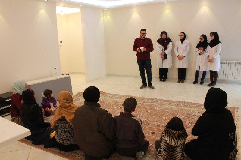 گروه دندانپزشکی دانشگاه تهران، کودکان مهرآفرین را غربالگری کردند
