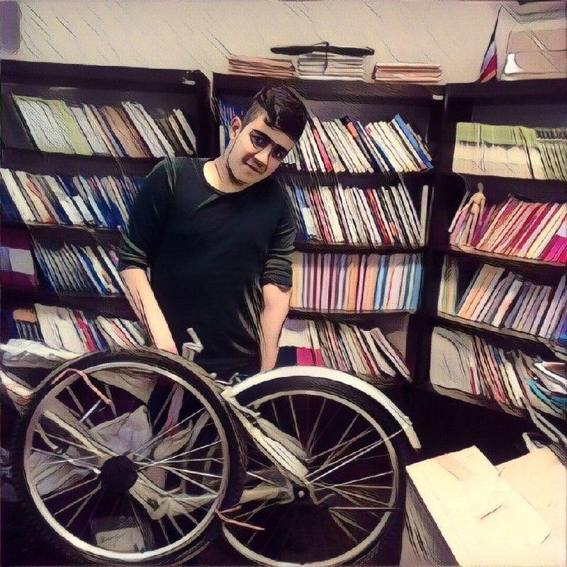 مهرآفرین به دانش آموزان ممتاز خود جایزه اهدا کرد