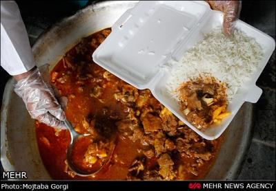 توزیع تعداد 2450 پرس غذای گرم بین مددجویان