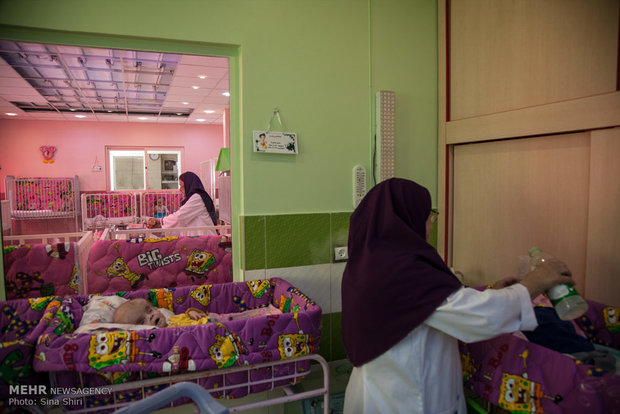 جداکردن پسر کوچک از مادر شیشه ای/ پای اورژانس اجتماعی به میان آمد