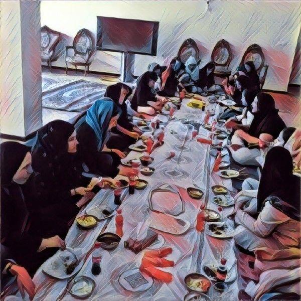 در یکی از روزهای زیبای پاییزی، ۴۰ نفر از دختران مهرآفرین، میهمان باغ یکی از یاوران عزیز بودند.