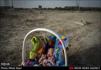 نوزاد ۳ماهه قربانی اعتیاد پدر شد/ نجات کودک توسط مددکاران