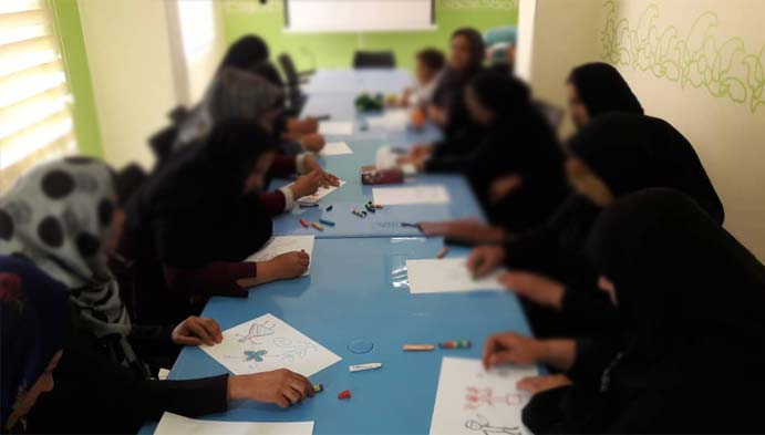 هنردرمانی برای هویت بخشیدن به مادران مددجو