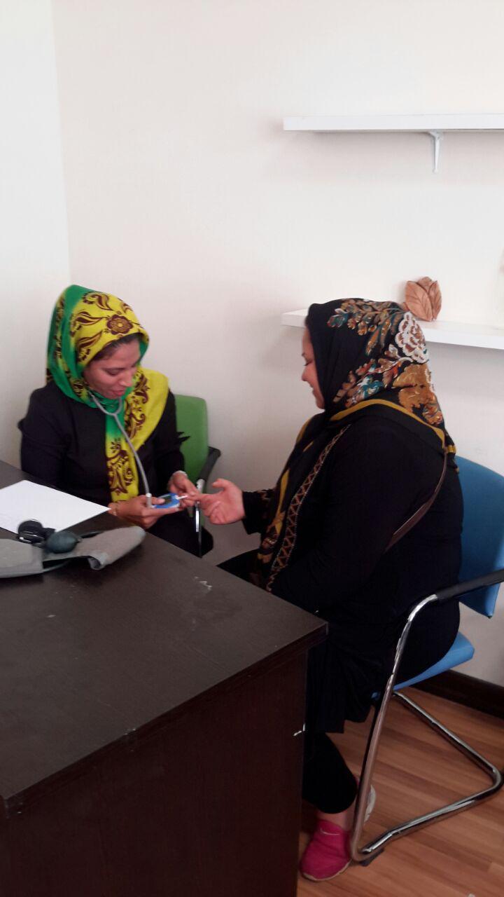 خانواده های کودکان کانون نخبگان نسل طلایی ایران توسط گروه پزشکی سرای محله ی کشاورز مورد معاینه قرار گرفتند.