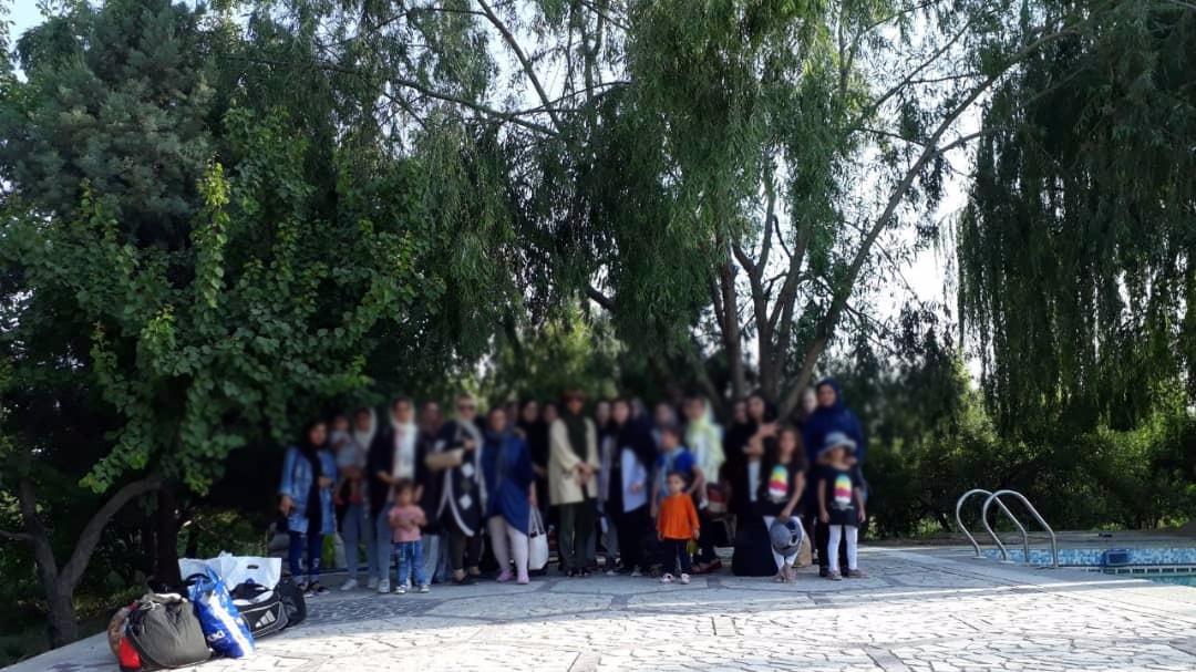 شادی دخترکان در باغ/ اردوی تابستانی مهرآفرین با حضور جمعی از دختران