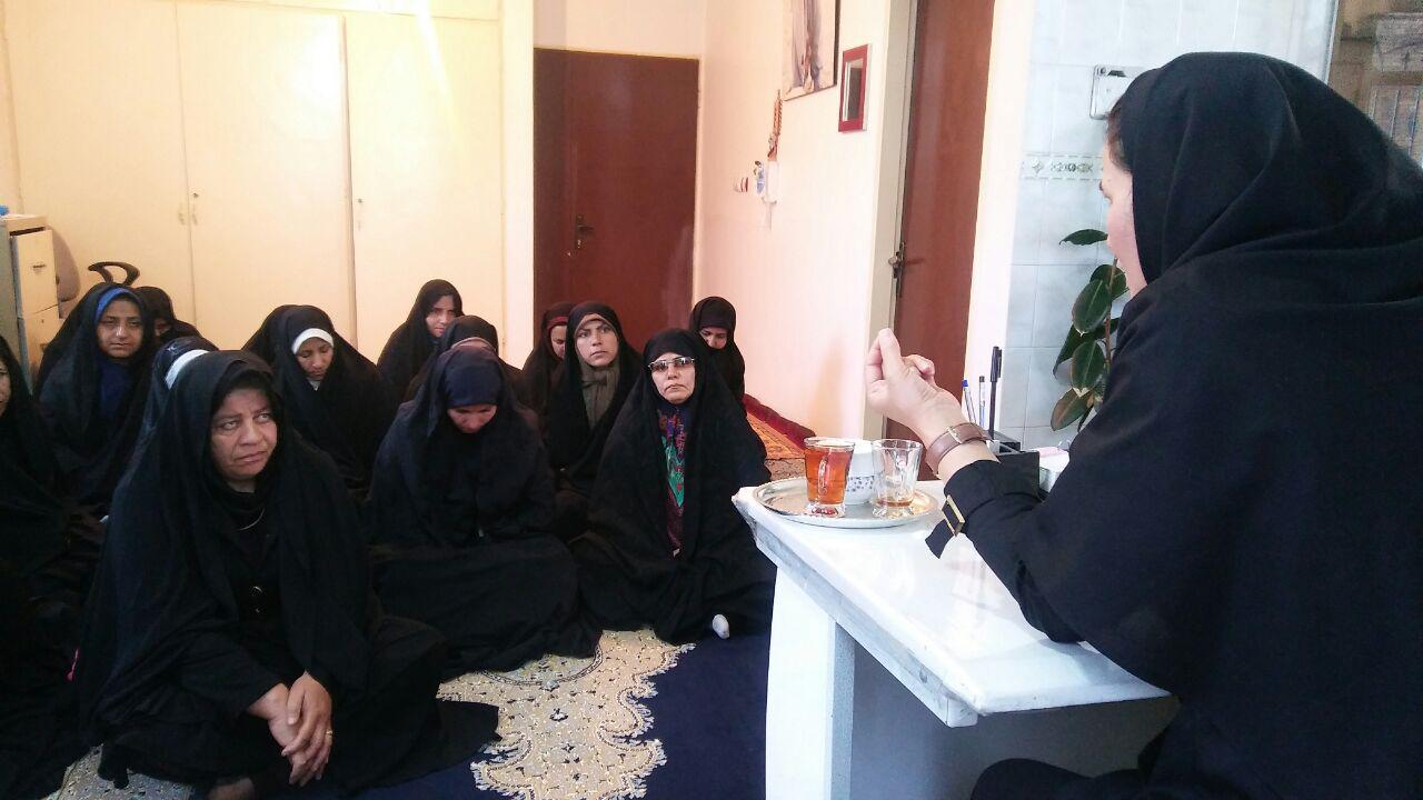 آموزش مادران هندودر ( از توابع استان مرکزی ) برای جلوگیری از اعتیاد فرزندان