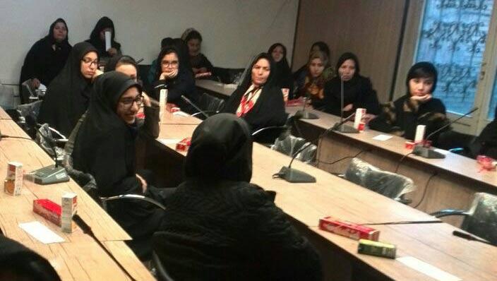 برگزاری جلسه روانشناسی با عنوان  خانواده و هویت