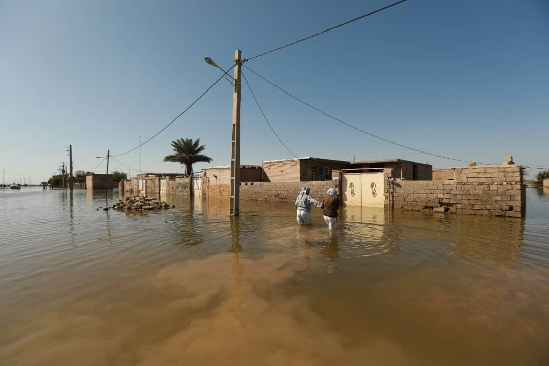 قورباغه، زباله و بیماریهای عفونی سوغات سیل در خوزستان/ گزارشی از فعالیت مهرآفرین در مناطق سیلزده